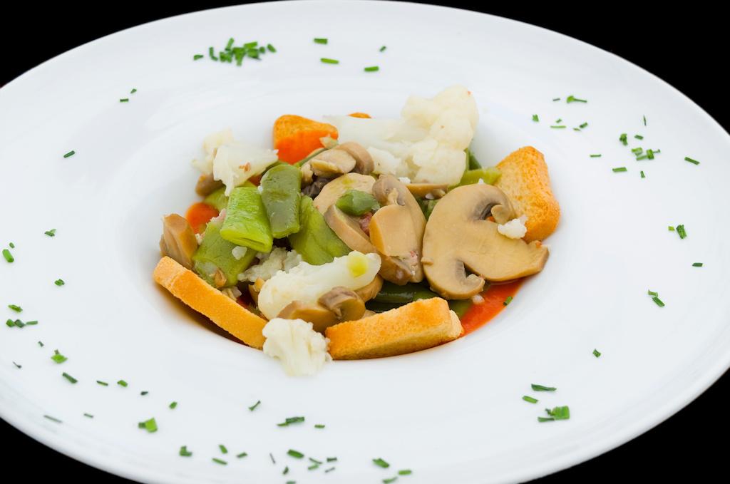 menestra de verduras en el restaurante