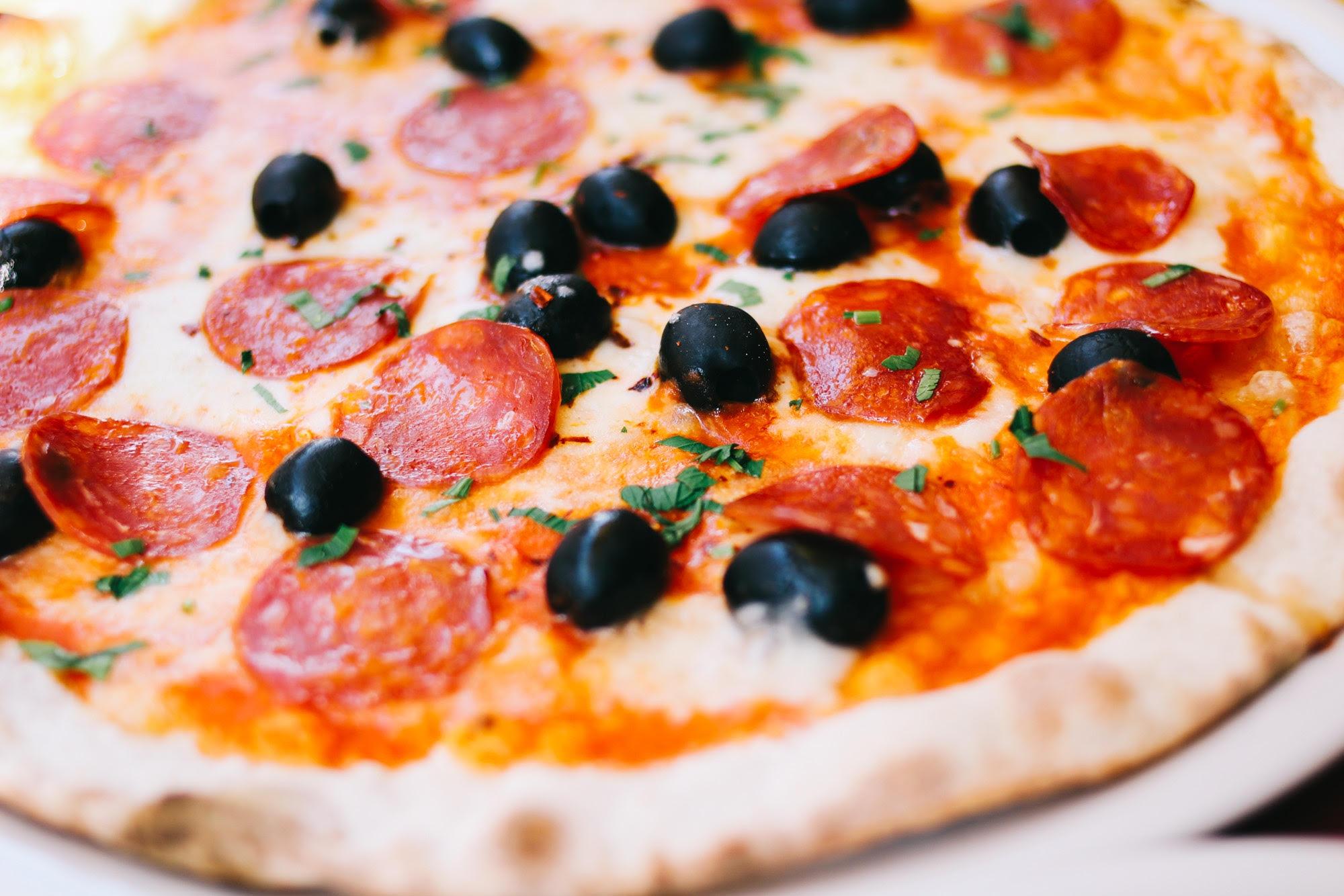 Pizza di salami